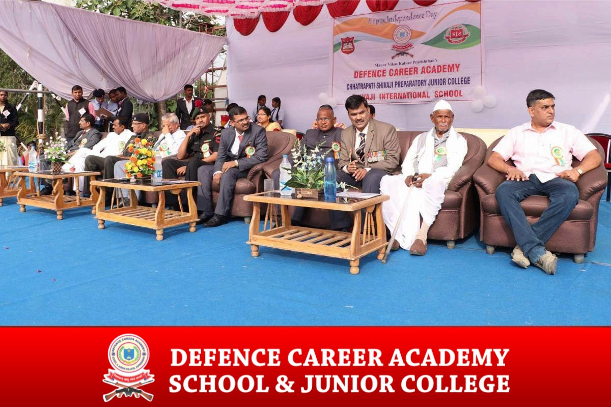 defence-career-academy-in-maharashtra-join-indian-army-independence-day