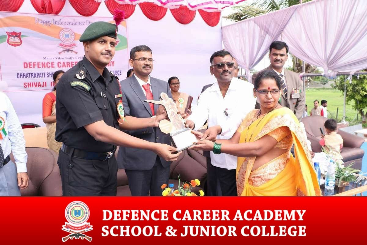 best-cds-coaching-center-in-auran-gabad-air-force-coaching-in-india-award-for-parents