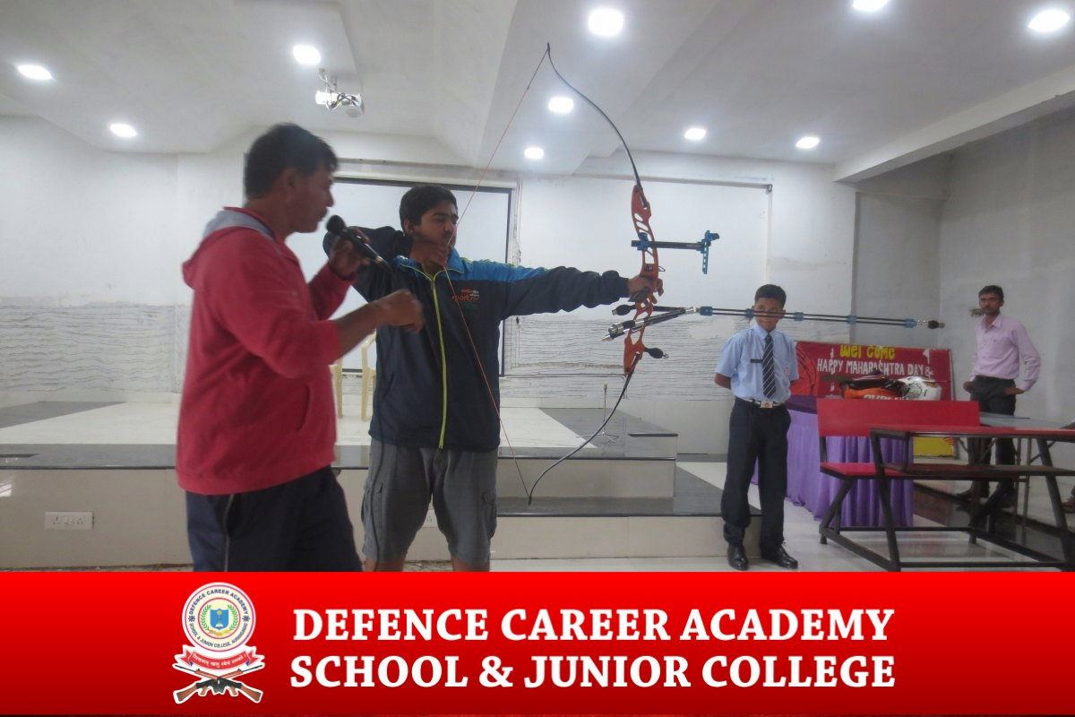 indoor-activities-bow-and-arrow-spi-aurangabad-physical-excercises-dca-academy-best-NDA-training-institute